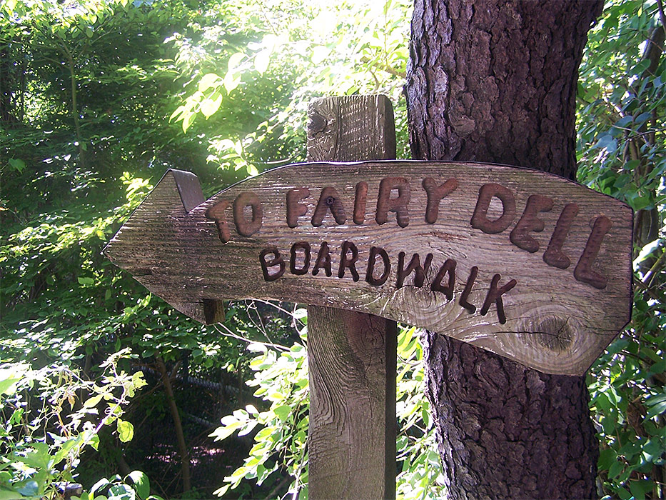 fairy-dell-wooden-sign