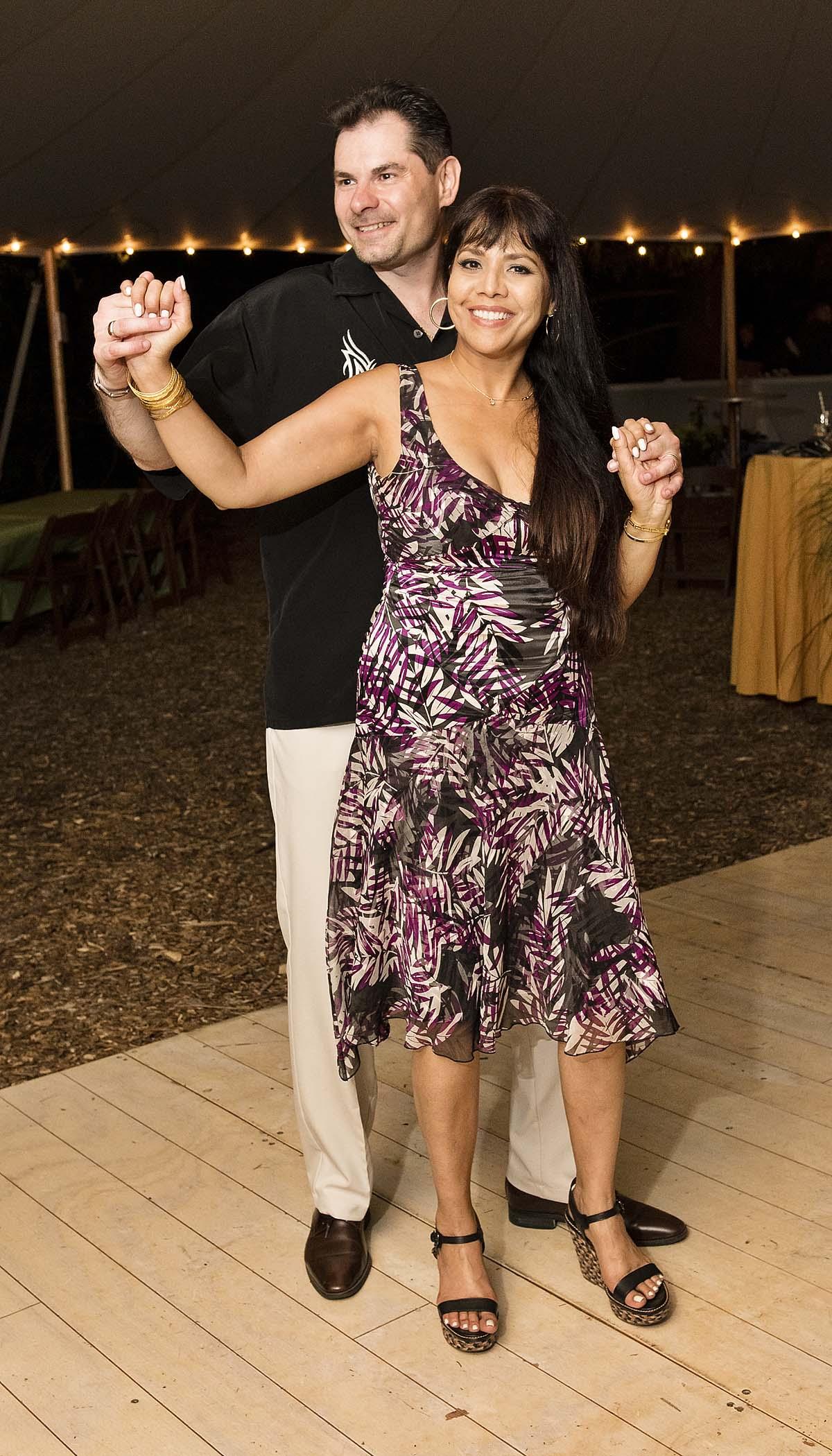 couple-on-dance-floor